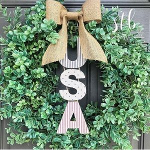 USA & BBQ Wooden Hanging Signs
